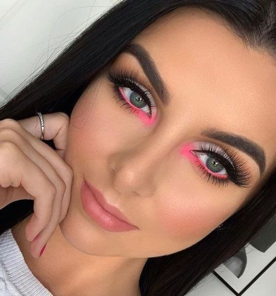 10 Of The Coolest Eyeshadow Trends That Everyone Will Be Wearing This Spring - Society19