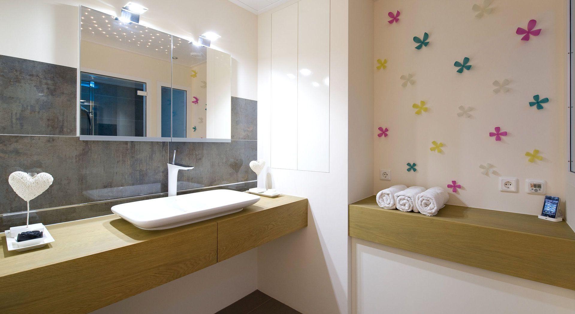 Speelse badkamer van Middelkoop Culemborg compleet met Cleopatra ...