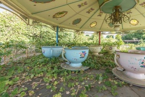 Haunting photos capture abandoned Nara Dreamland theme park in Japan | Metro News