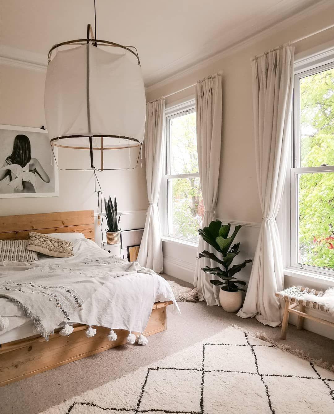 "HowWeLive on Instagram: ""Cozy bedroom with light colors in the beautiful home of @sallyfazelihome fromLancashire��#howwelive #repost #bedroom"""
