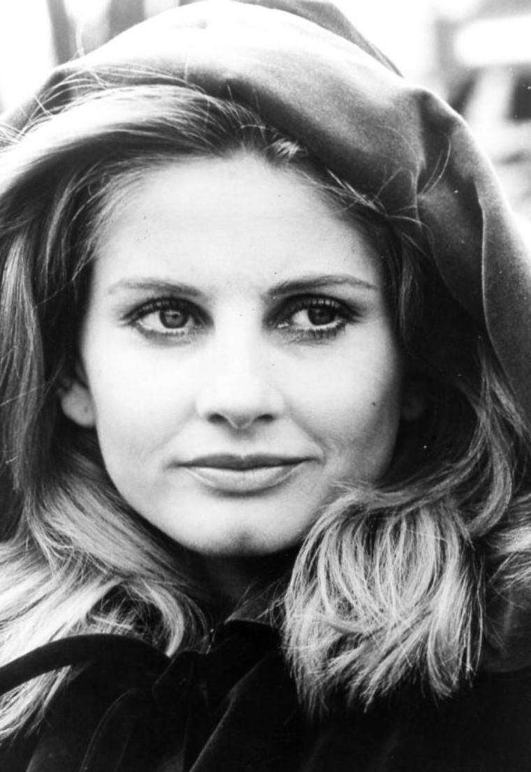 jill ireland height