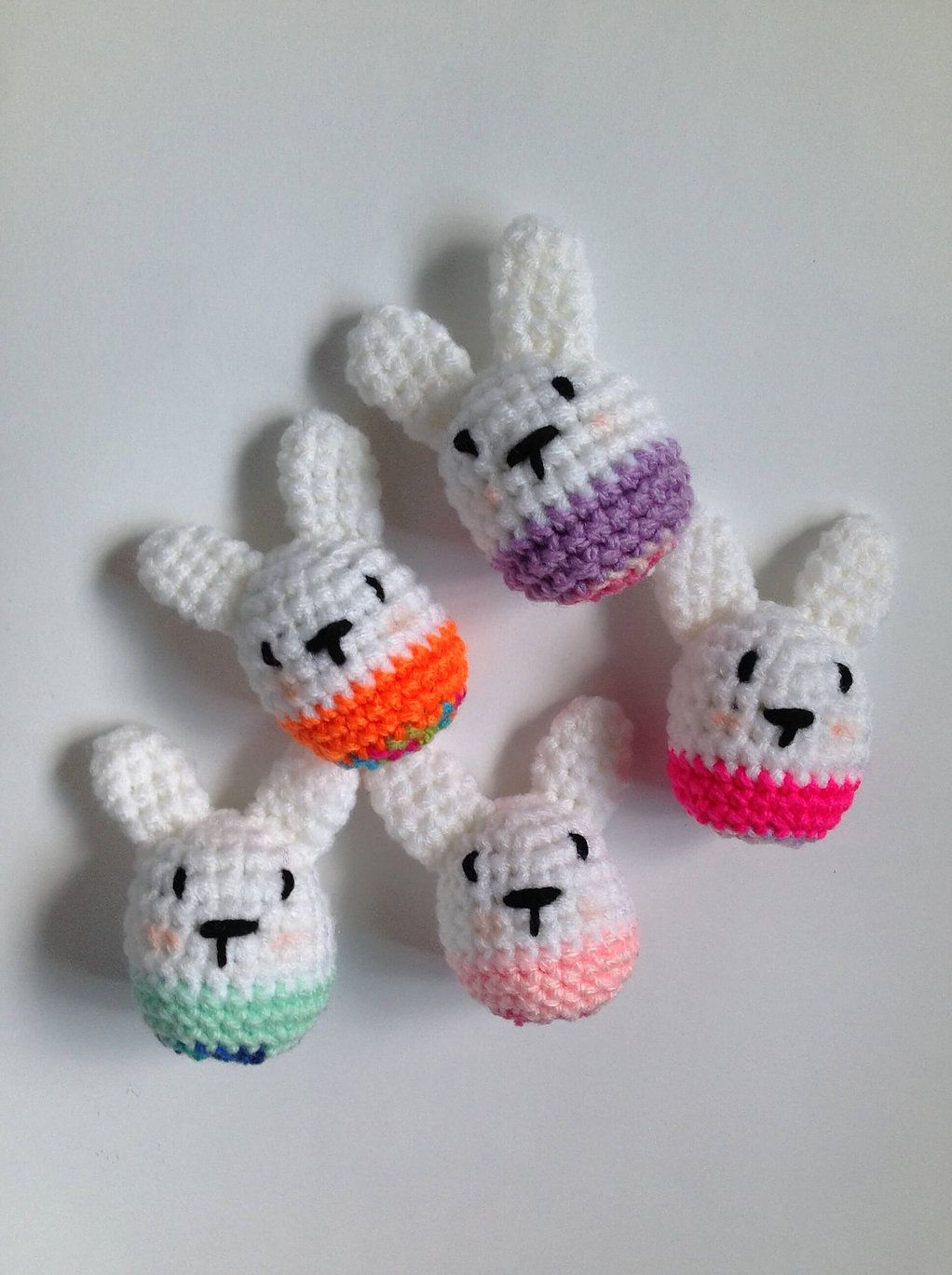 A free crochet amigurumi pattern for beginners easter bunny eggs a free crochet amigurumi pattern for beginners easter bunny eggs make great gift for easter negle Images
