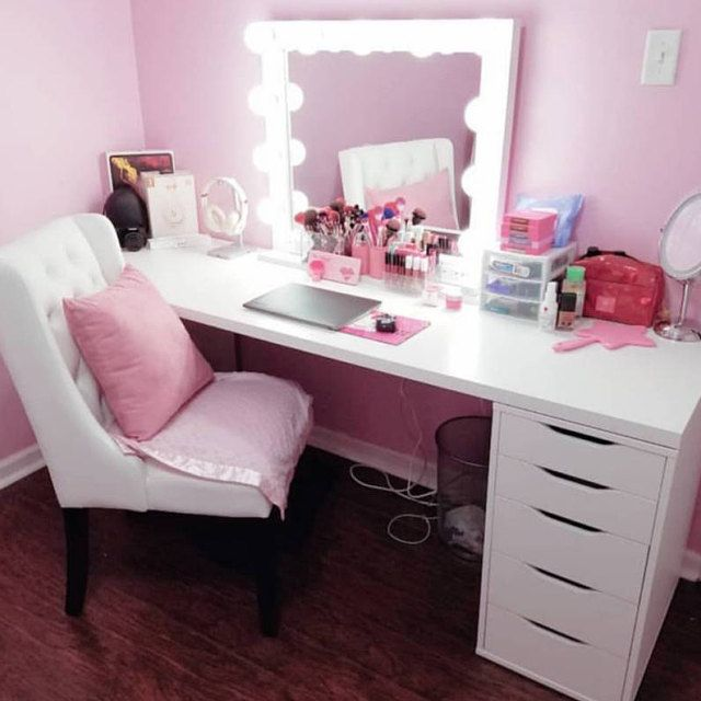 WHITE 32 X 28, Hollywood Style Lighted Vanity Makeup Mirror