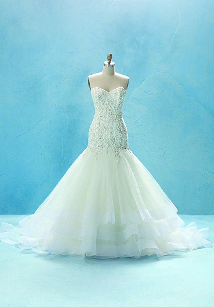 Disney Cinderella Inspired Wedding Dress Disney Wedding Dresses Trendy Wedding Dresses Dream Wedding Dresses [ 1074 x 750 Pixel ]