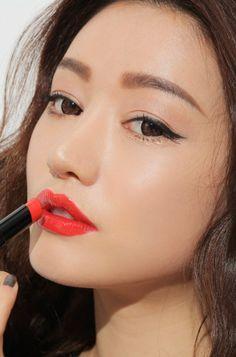 Bright coral lips