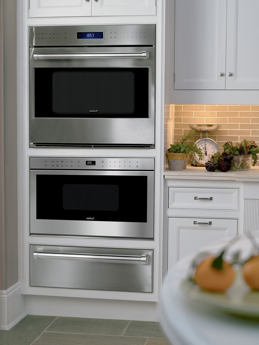 Wolf E Series Built In Ovens Come Contemporary Transitional Professional Styles Sizes Include 30 Single Or Double Oven And 24 Models