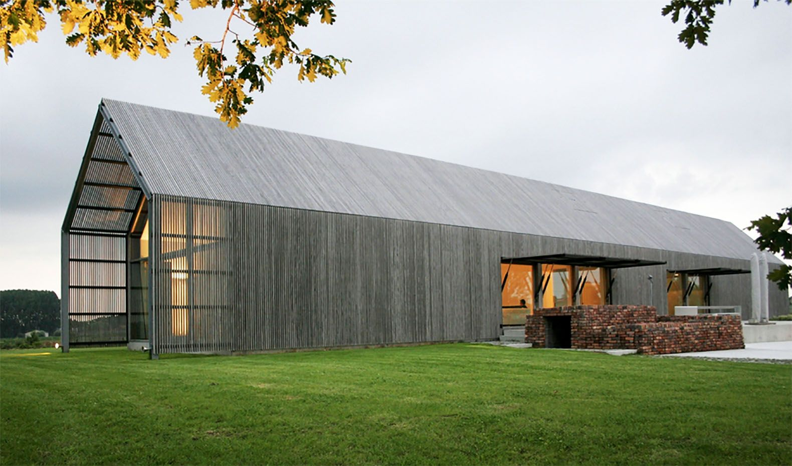 6 Barns Converted Into Beautiful New Homes Barn Style House Modern Barn House Facade House