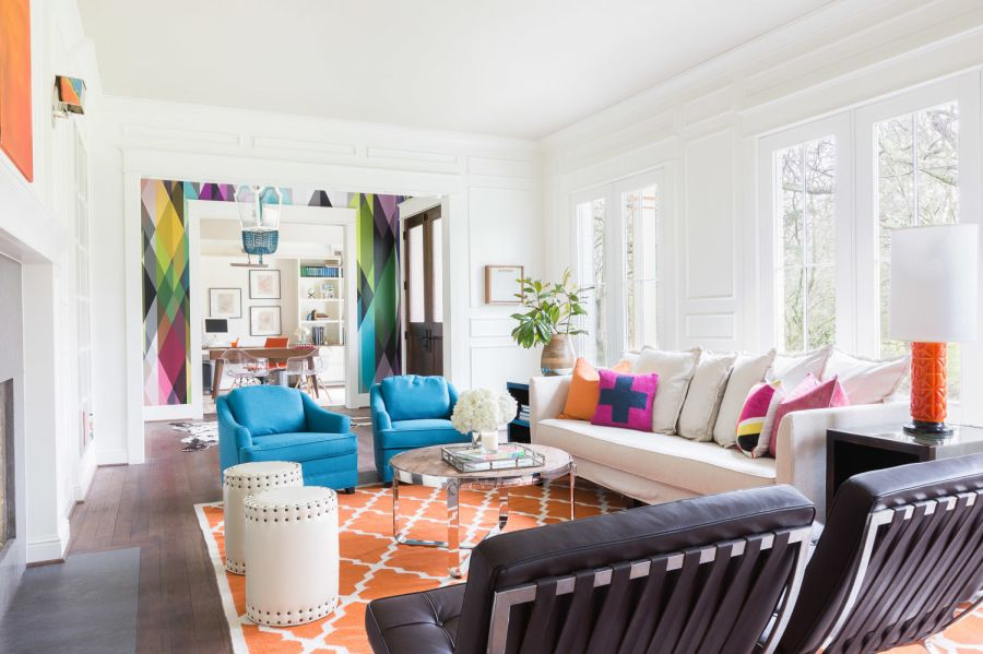 it's all bright white and colorful accessories for this happy hued home tour Interior Design : Emily Lister Interiors | Photography : Alyssa Rosenheck Photography Read More on SMP: http://www.stylemepretty.com/living/2016/04/01/10-bright-tips-for-adding-color-to-your-home/