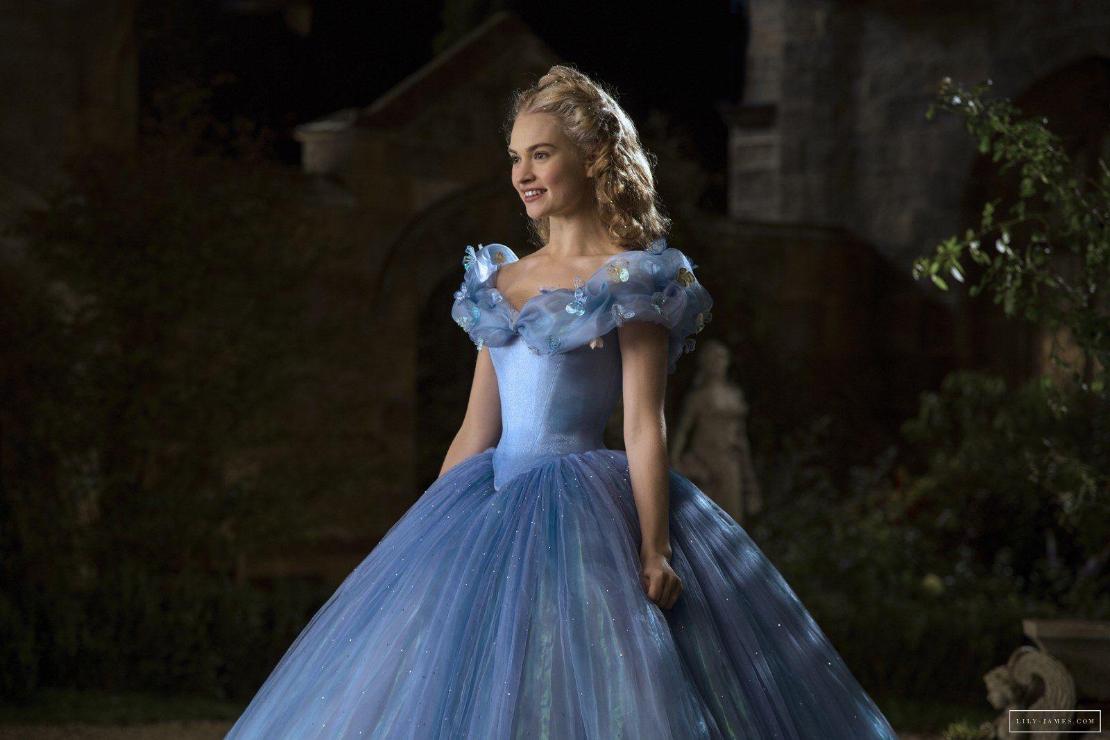 Cinderella (2015)  b2784c7b14dc