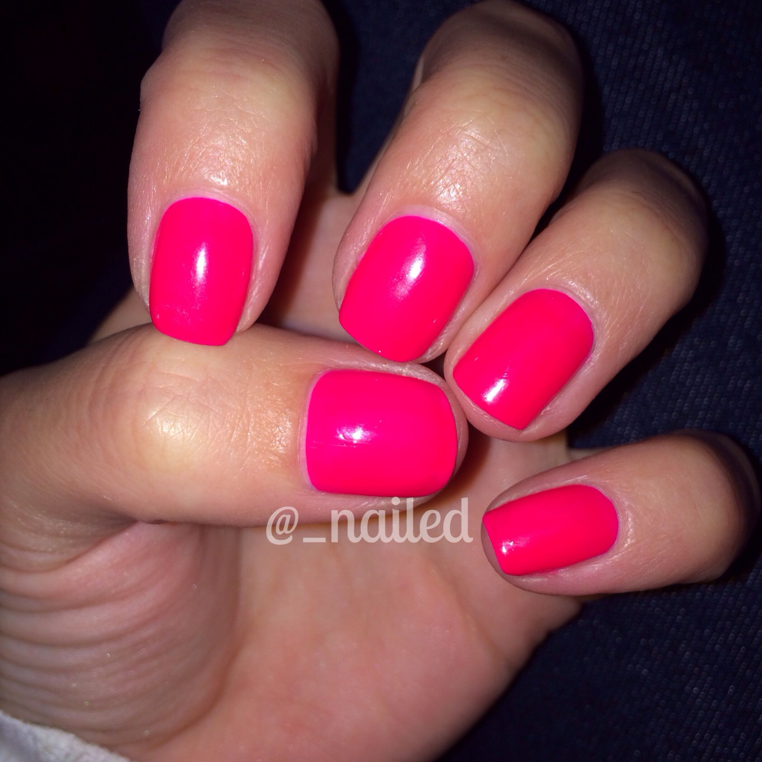 IG: @_nailed neon pink