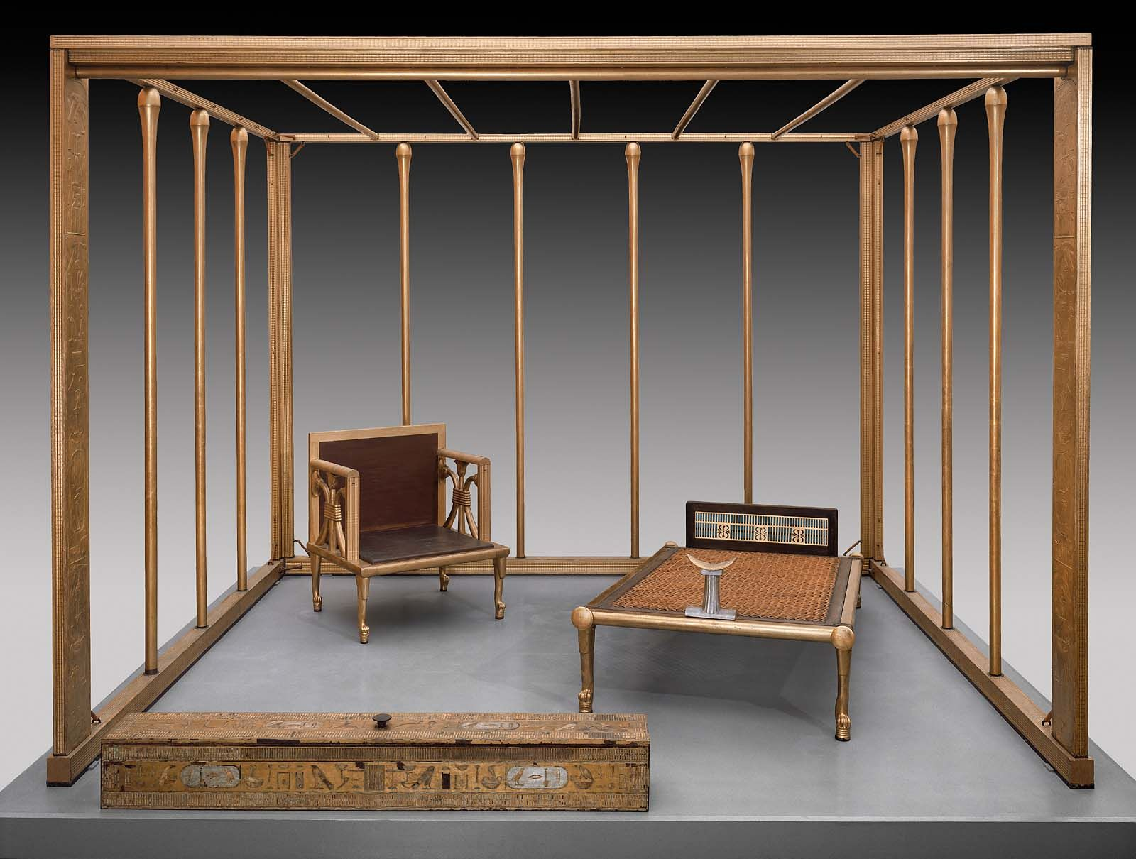 Ancient egyptian table - Egyptian Queen Hetepheres Bed And Furnishings