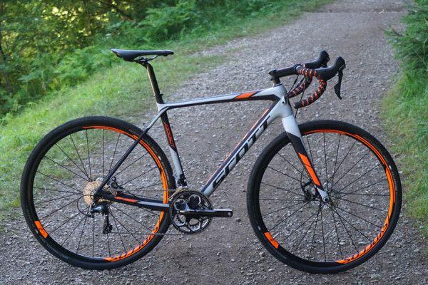 2016 Scott Addict Gravel Bike Hits The Dirt Road W New Schwalbe G