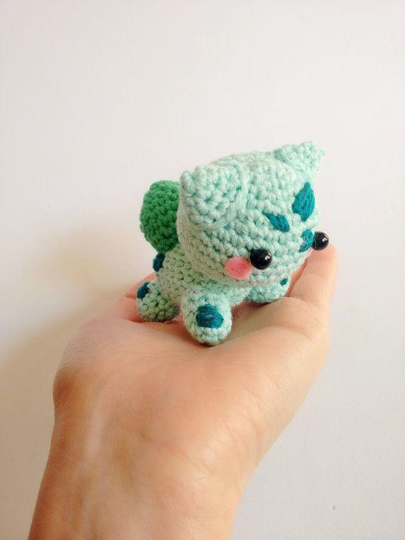Mira este artículo en mi tienda de Etsy: https://www.etsy.com/es/listing/264030552/hecho-a-pedido-bulbasaur-amigurumi