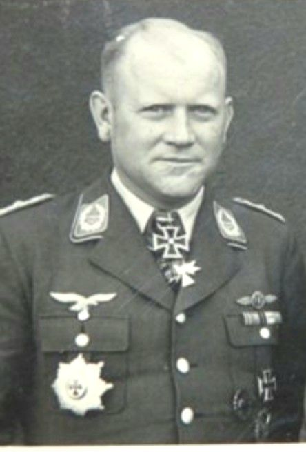 ✠ Walter Marienfeld (10 August 1904 - 23 October 1944) RK 27.11.1941 Oberstleutnant Kommodore KG 54 Killed by shrapnel during an accident when watching the demo of an experimental flak weapon.