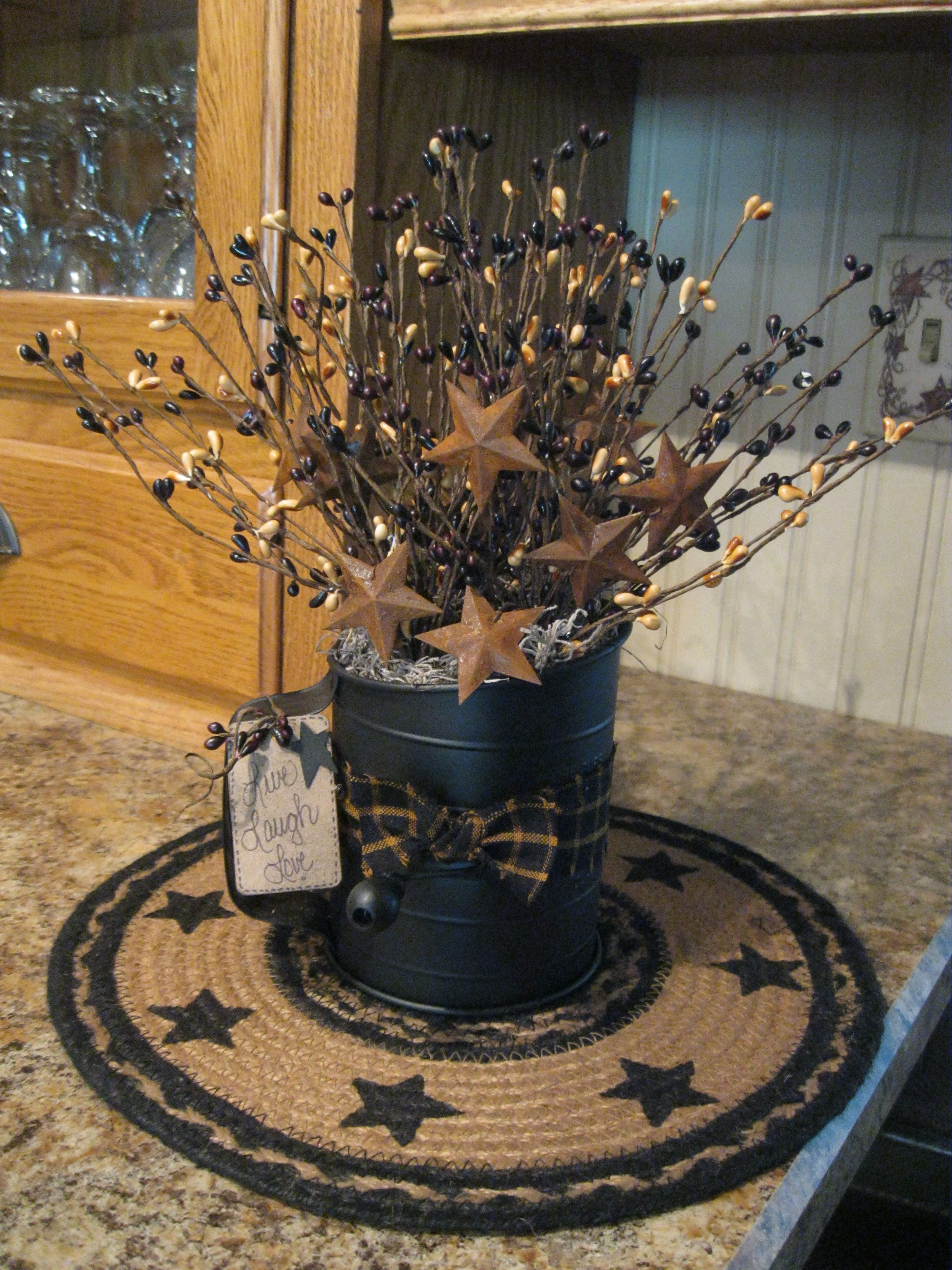 Love This As A Centerpiece With Images Primitive Decorating Country Primitive Decorating Country Decor