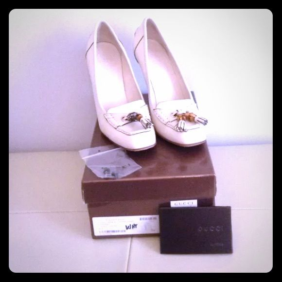 Moccasin Pump (Mystic white) Gucci Scar Pelle S Cuoio in Mystic White.   Moccasin pump with bamboo tassel details. Awesome shoes for work❗ Worn a few times. There is a small scuff in which the price reflects.   Will be shipped in original box and extra heels. No dust bag. Gucci Shoes