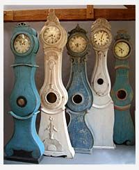 Love Swedish Grandmother clocks - I want one for my living room in white