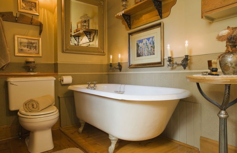 How To Stage A Bathroom Without Breaking The Bank Small Bathroom