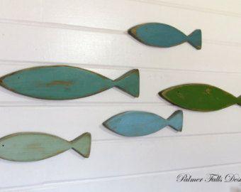 Kl Elements Graphiques Simples Couleurs Vont Bien Ensemble Et Tranchent Avec Le Blanc Nautical Nursery Decor Fishing Decor Lakehouse Decor
