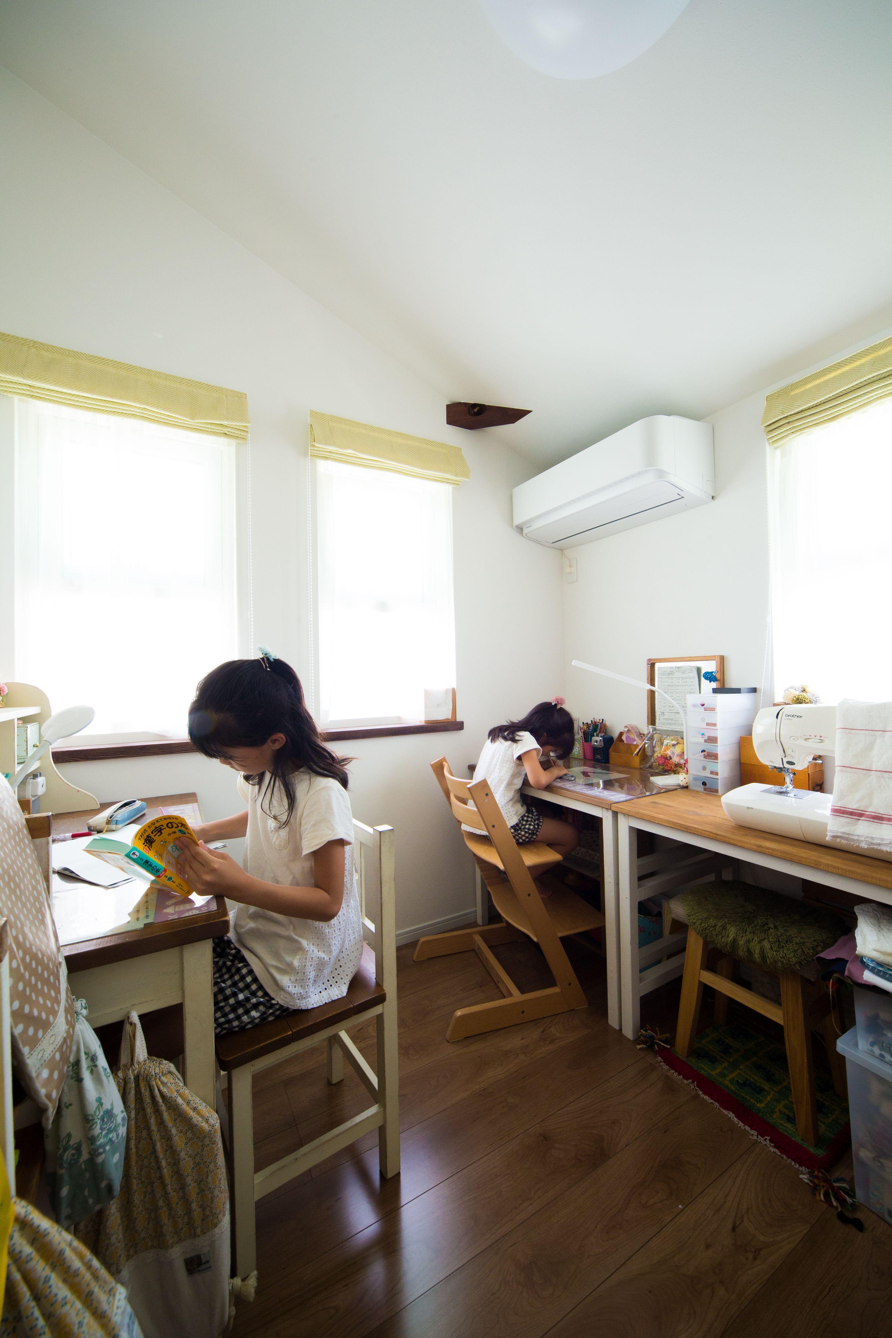 遊ぶ部屋とは別に勉強部屋を設けました 勉強も集中できますね
