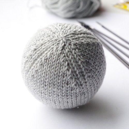 Knitting Pattern For Basic Christmas Ball Ornament Handverk