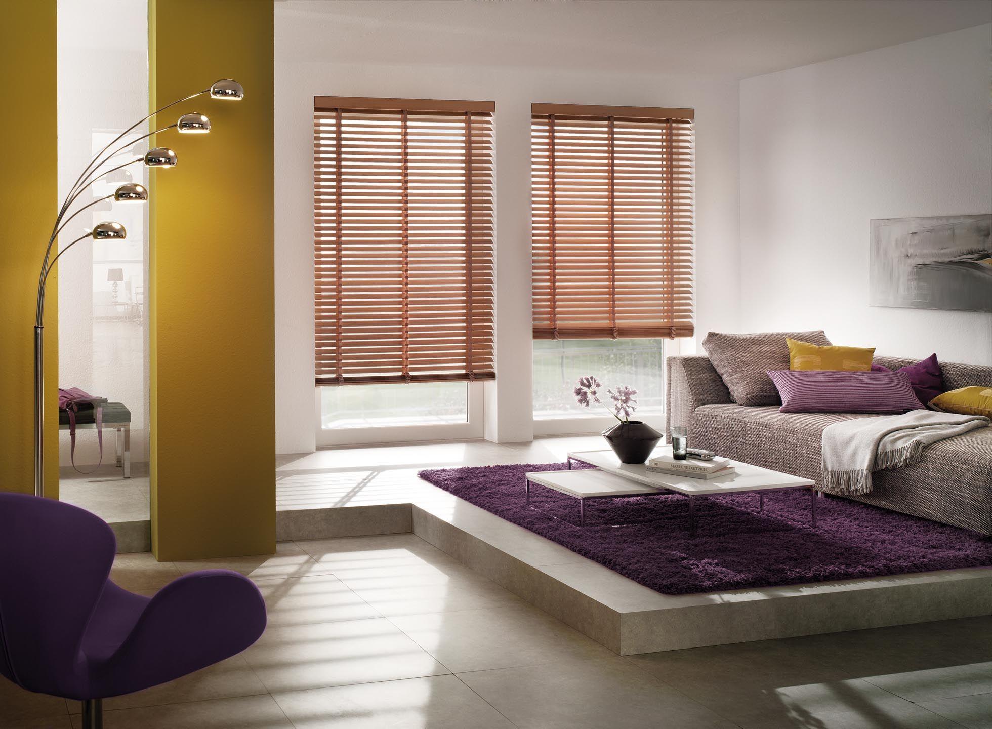 innenliegender Sonnenschutz als HolzJalousie von KADECO
