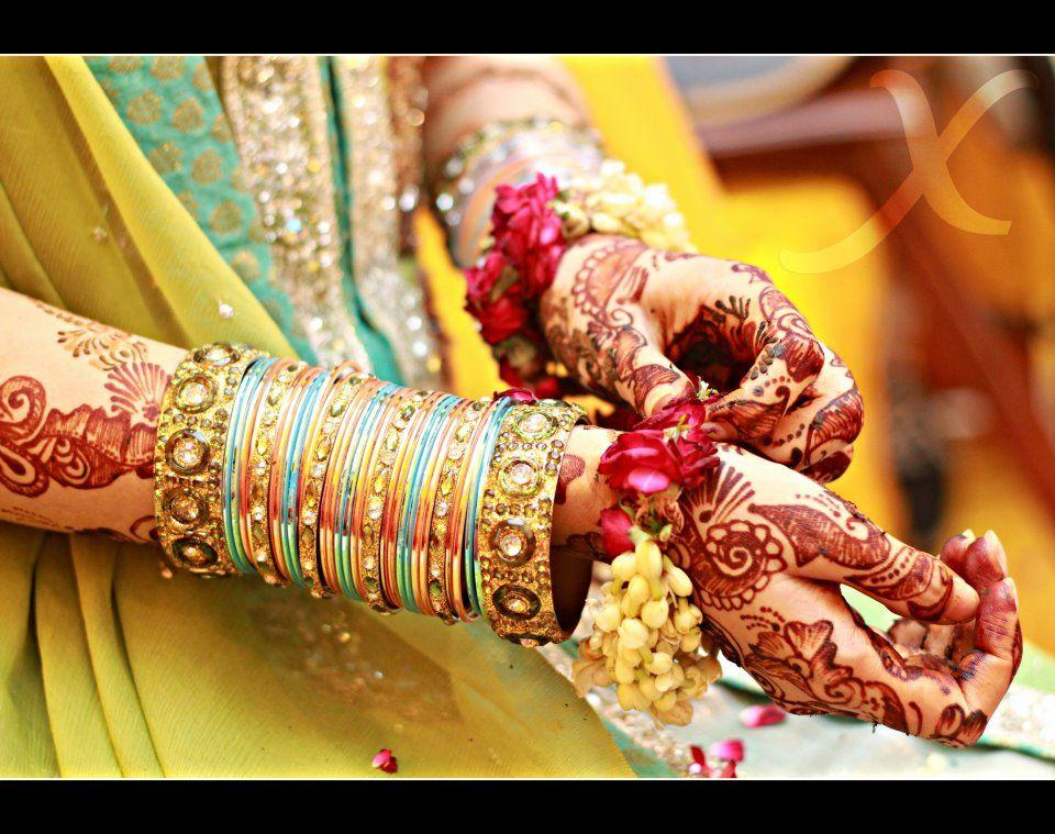 dulhan indian pakistani bollywood bride desi wedding bangles henna ...