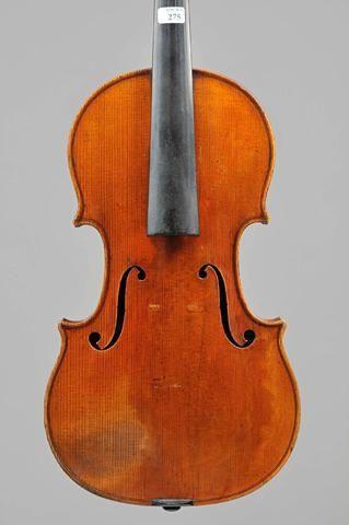 Adjuge 64 000 Euros Par Vivhy Encheres A Vichy Le 12 Juin 2014 Violin Instruments Batiste