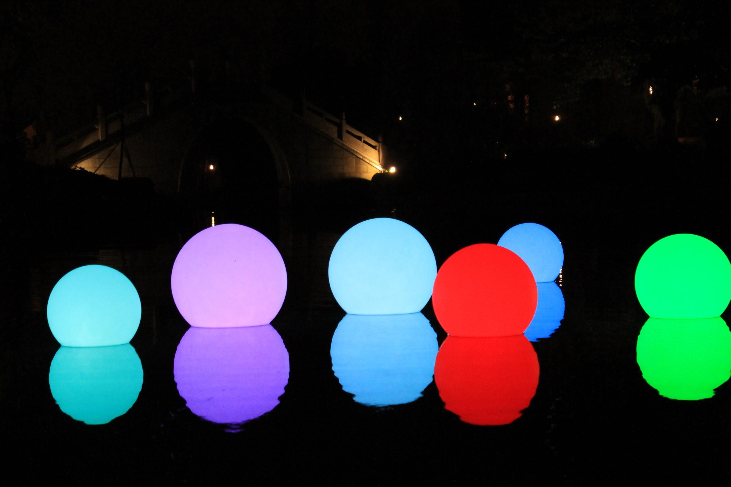 16 Ultra Color Changing Waterproof Floating Led Rainbow Orb From Paperlanternstore At The Best Bulk Wholesale Pric Floating Pool Lights Pool Light Pool Lights
