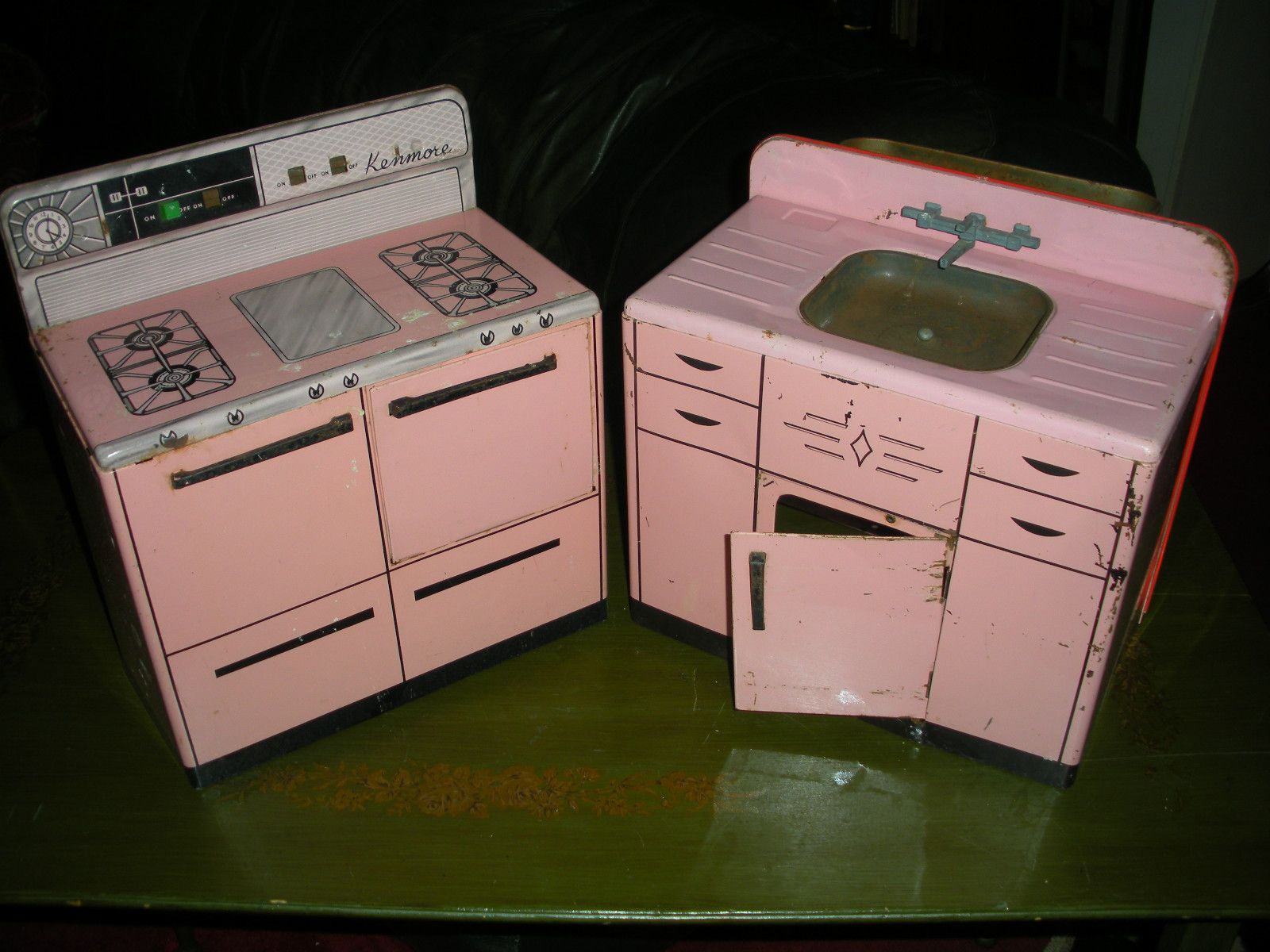 Vintage Toy Pink Metal Kitchen Appliances Kenmore Range