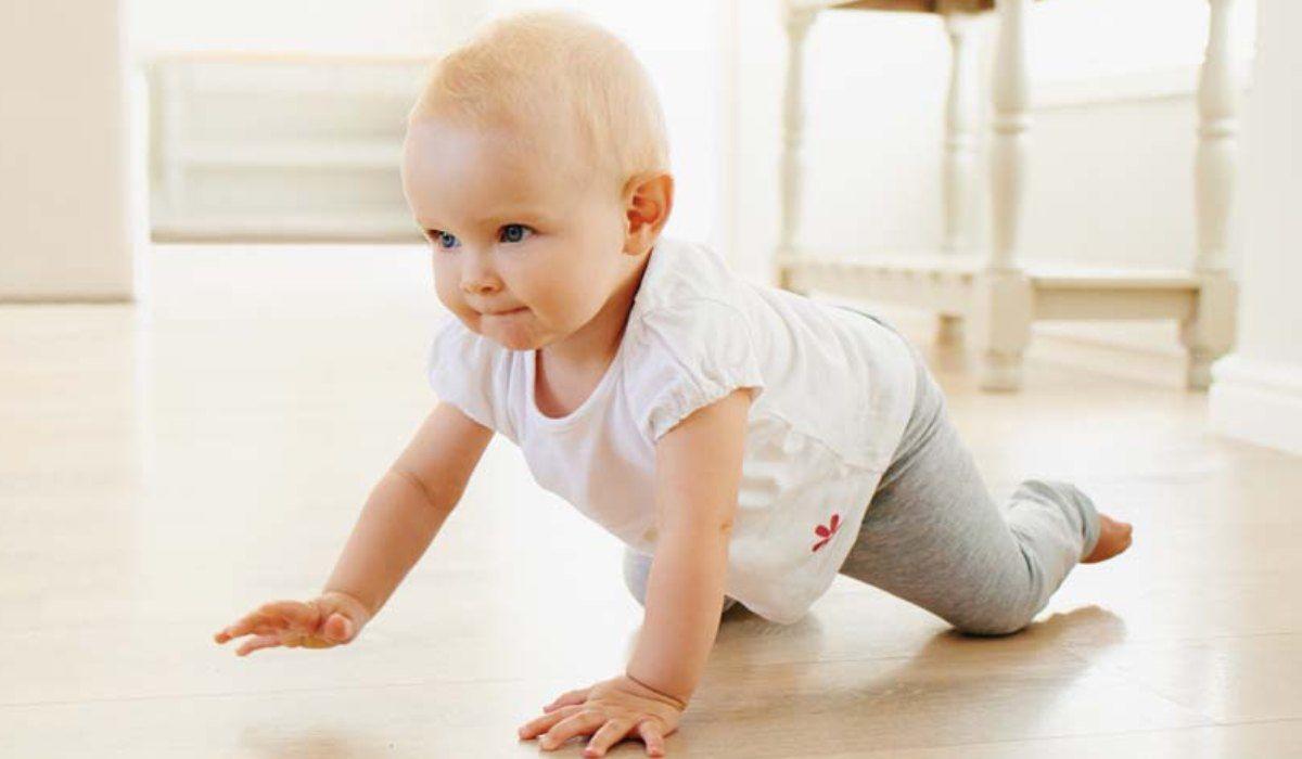 مراحل نمو الرضيع وتطوره وتغذيته Health Tips Face Baby Face