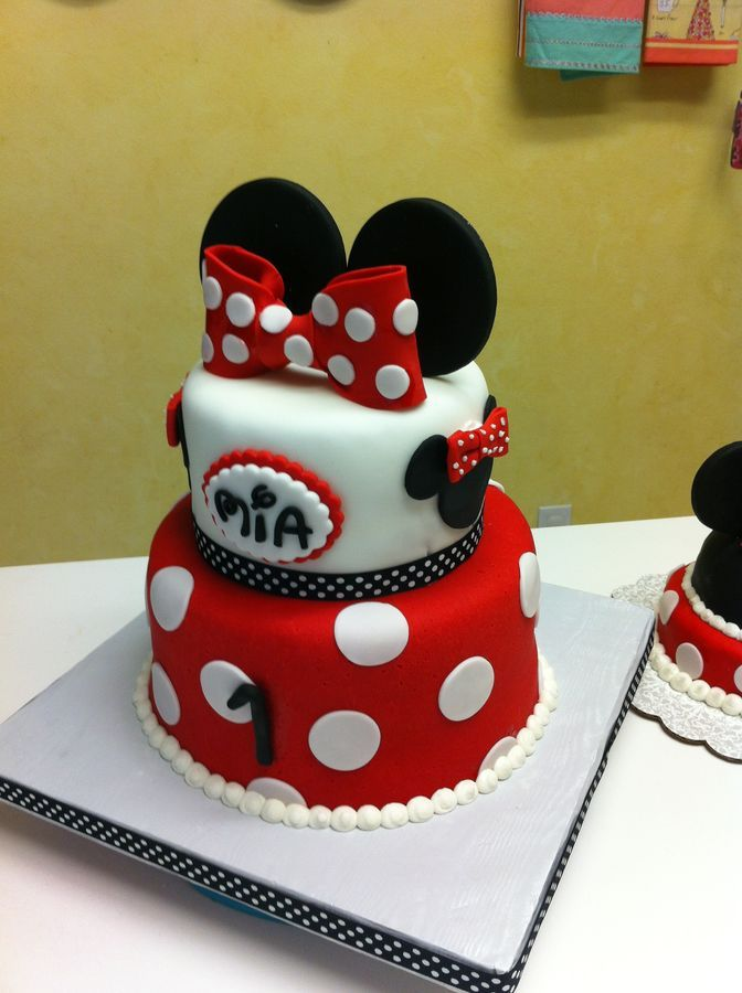 Excellent Minnie Mouse First Birthday Cake With Little Smash With Images Personalised Birthday Cards Veneteletsinfo