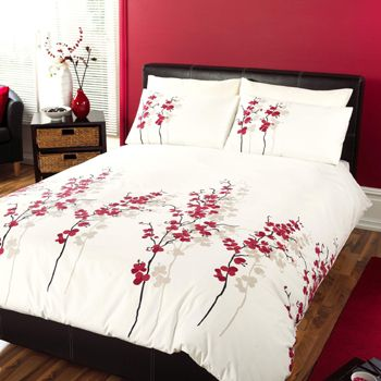 this is a very attractive oriental flower print duvet cover set in a modern colour palette