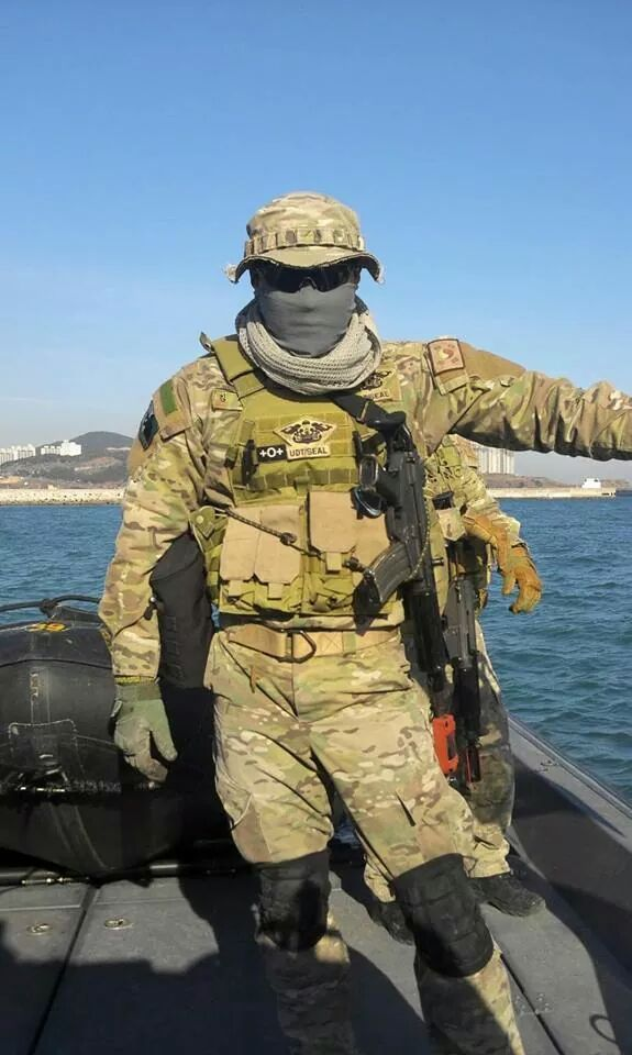 how to join the us navy seals from canada