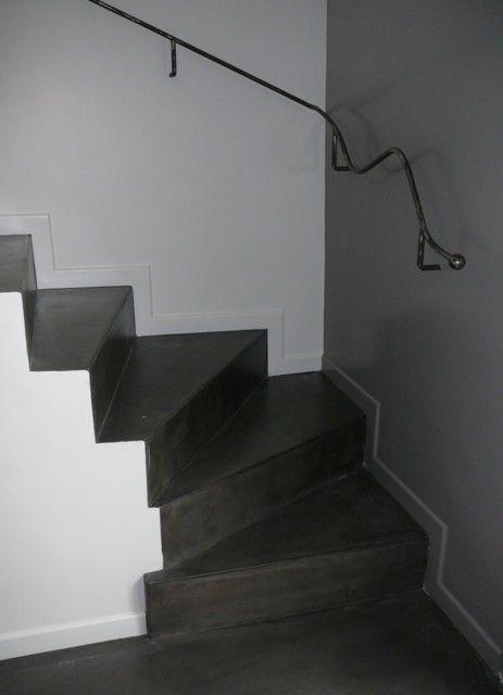 Pin De Garde Corps En Acier L Ancien Sol En Carrelage A Ete Traite En On Pinterest Escalier Beton Cire Escalier Beton Peinture Escalier