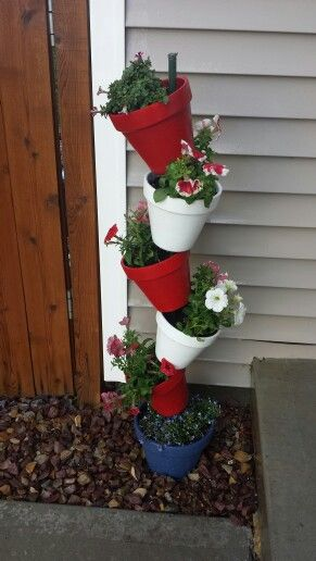 Diy Stackable Pots America Themed Front Yard Decor 400 x 300