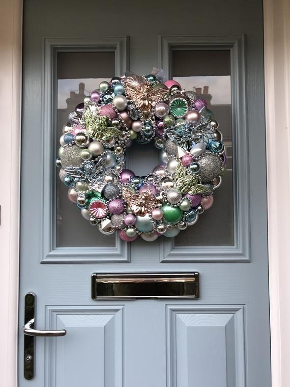 Bauble wreath - 'Hark the herald angels'