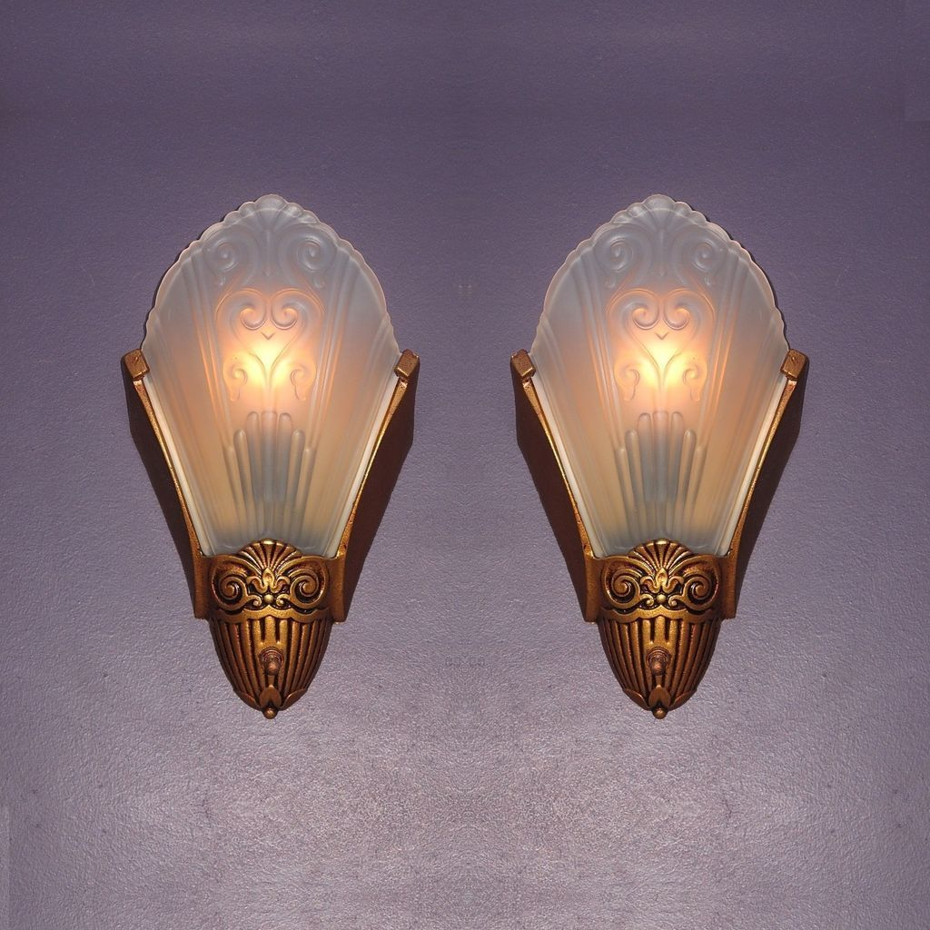 Exceptionnel Pair Vintage   Slip Shade Wall Sconces By Virden