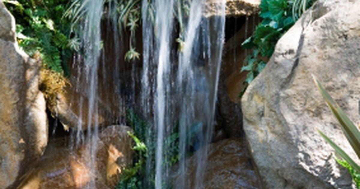 Cómo construir un estanque con cascada en un patio trasero sueños - fuentes de cascada