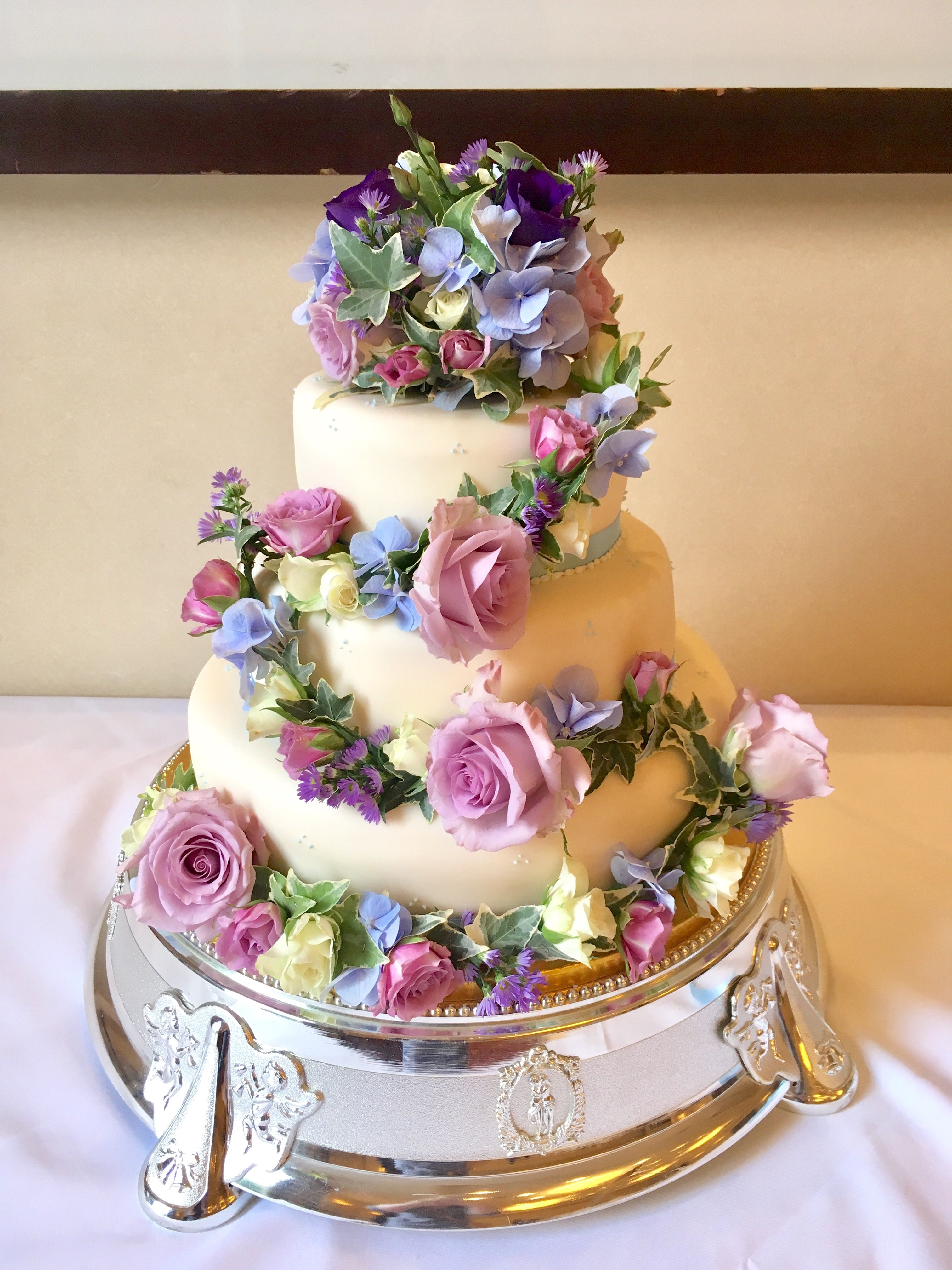 Light Blue And Lilac Wedding Cake Flowers Wedding Cakes Lilac Wedding Cakes With Flowers Wedding Cake Fresh Flowers