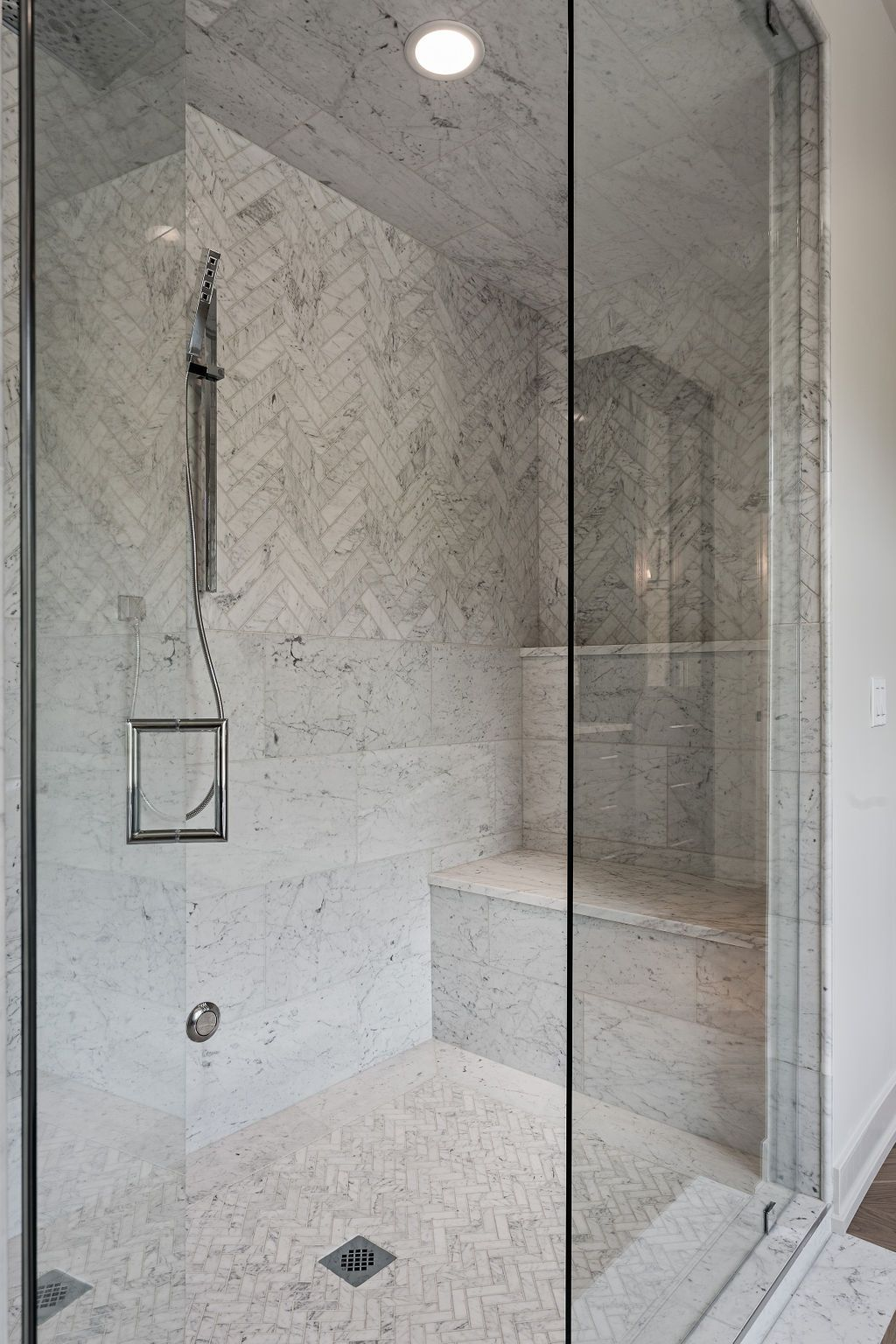 Master Steam Shower With Marble Bench And Ledge Steam Showers Master Shower Spa Shower