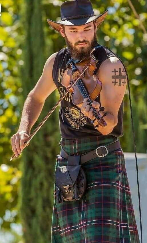 14c3bb095 faldas escocesas para hombres.