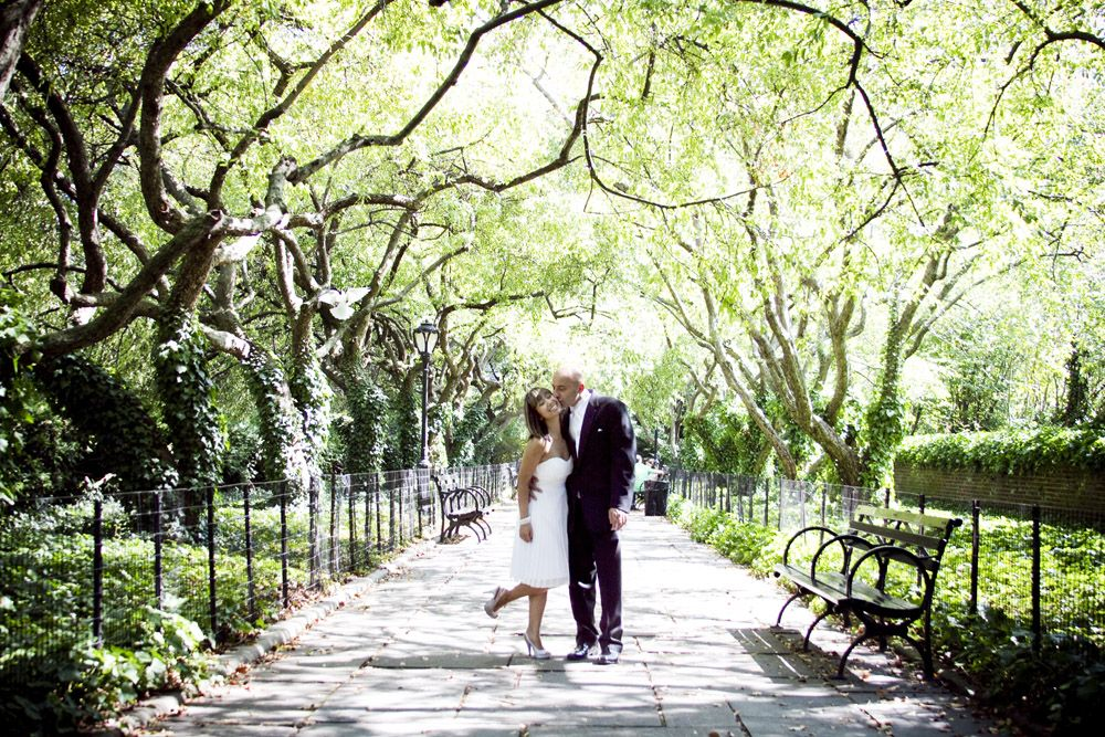 K U Met On The Subway Fell In Love And Decided To Have A Super Unique Wedding Ceremony Conservatory Garden Of Central Park