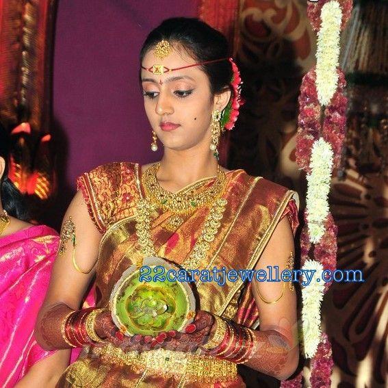 Jewellery Designs Laxmi Pranathi Jr Ntr Wife Wedding Jewellery Desi Wedding Jewellery Designs Indian Jewellery Design Traditional Jewelry