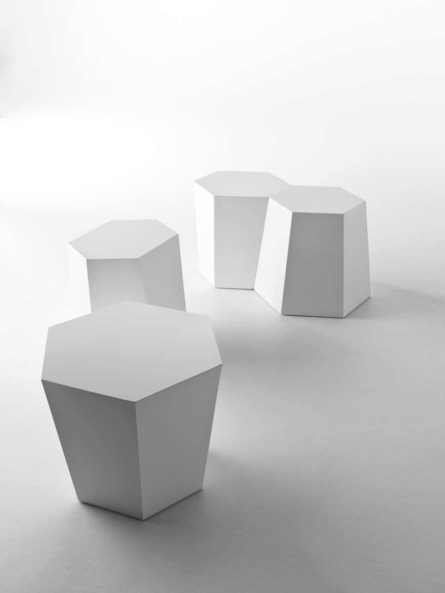IT · Bedside Table / Side / Hexagonal / Outdoor HEXAGON By Steven Holl HORM. Design