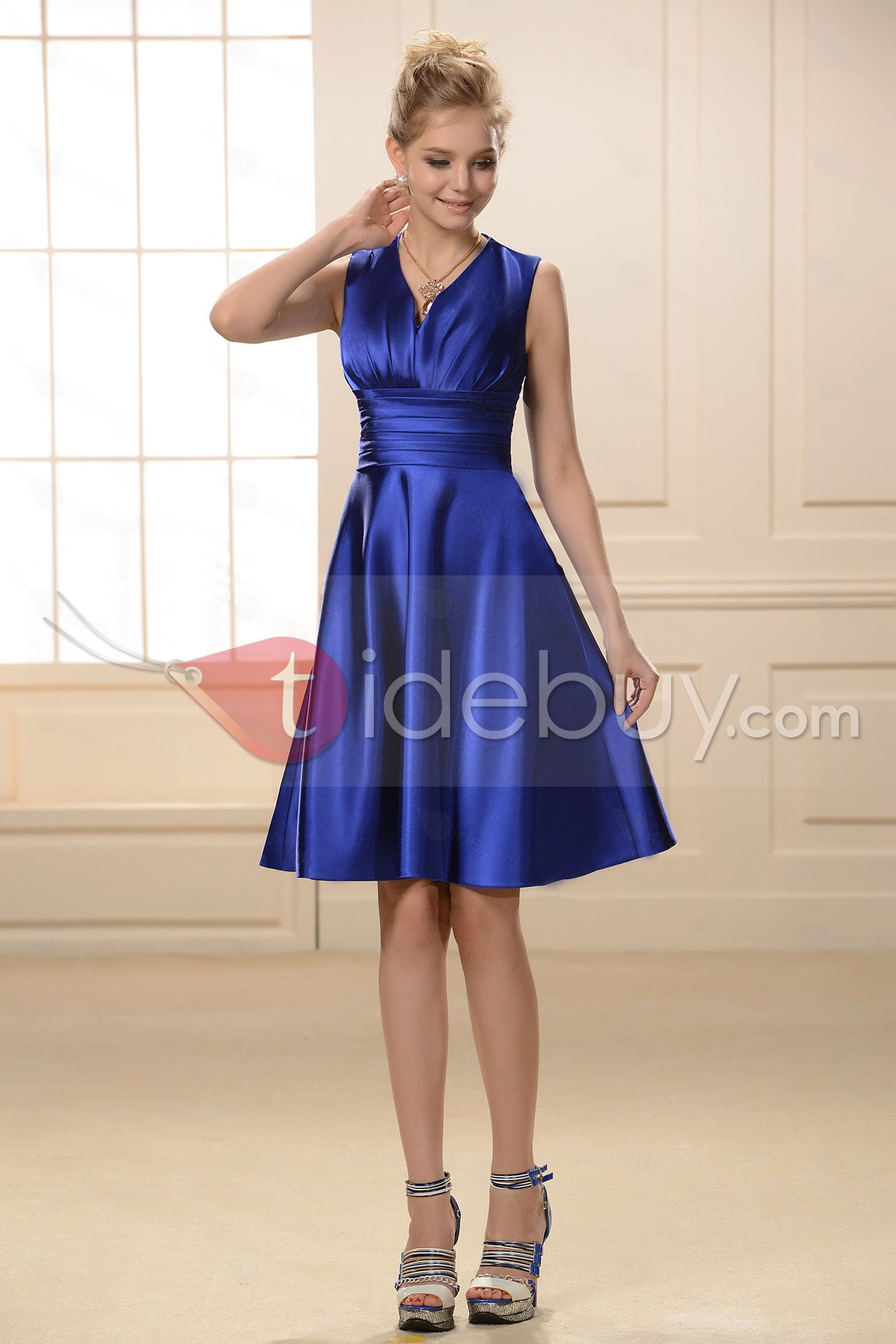 Simple style ruched aline kneelength vneck bridesmaid dress