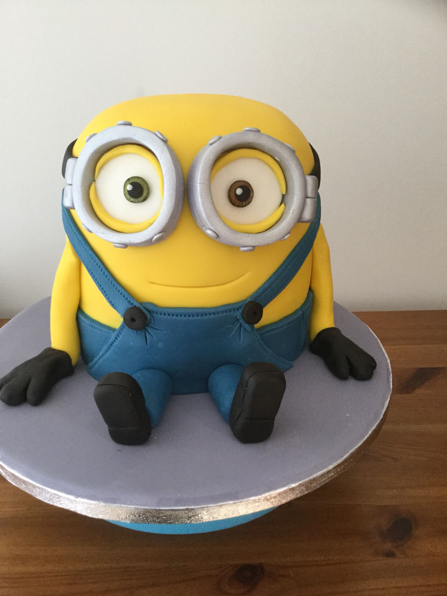 Bob the minion cake. Minions Birthday CakesMinion ...