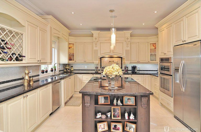 صور مطابخ حديثه و اشكال مطابخ مودرن و مميزه من موبيكان Classic Kitchen Design Custom Kitchen Cabinets Kitchen Design