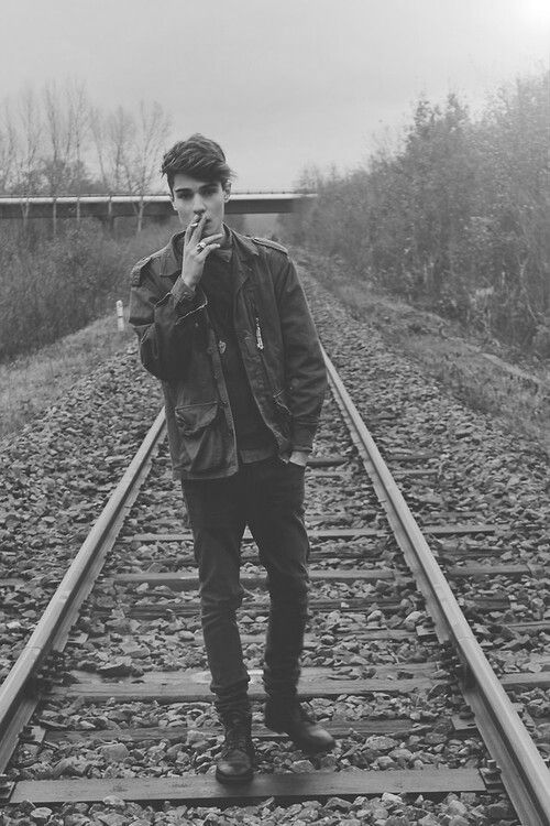 Smoking light Marlboro and drinking champagne | via Tumblr