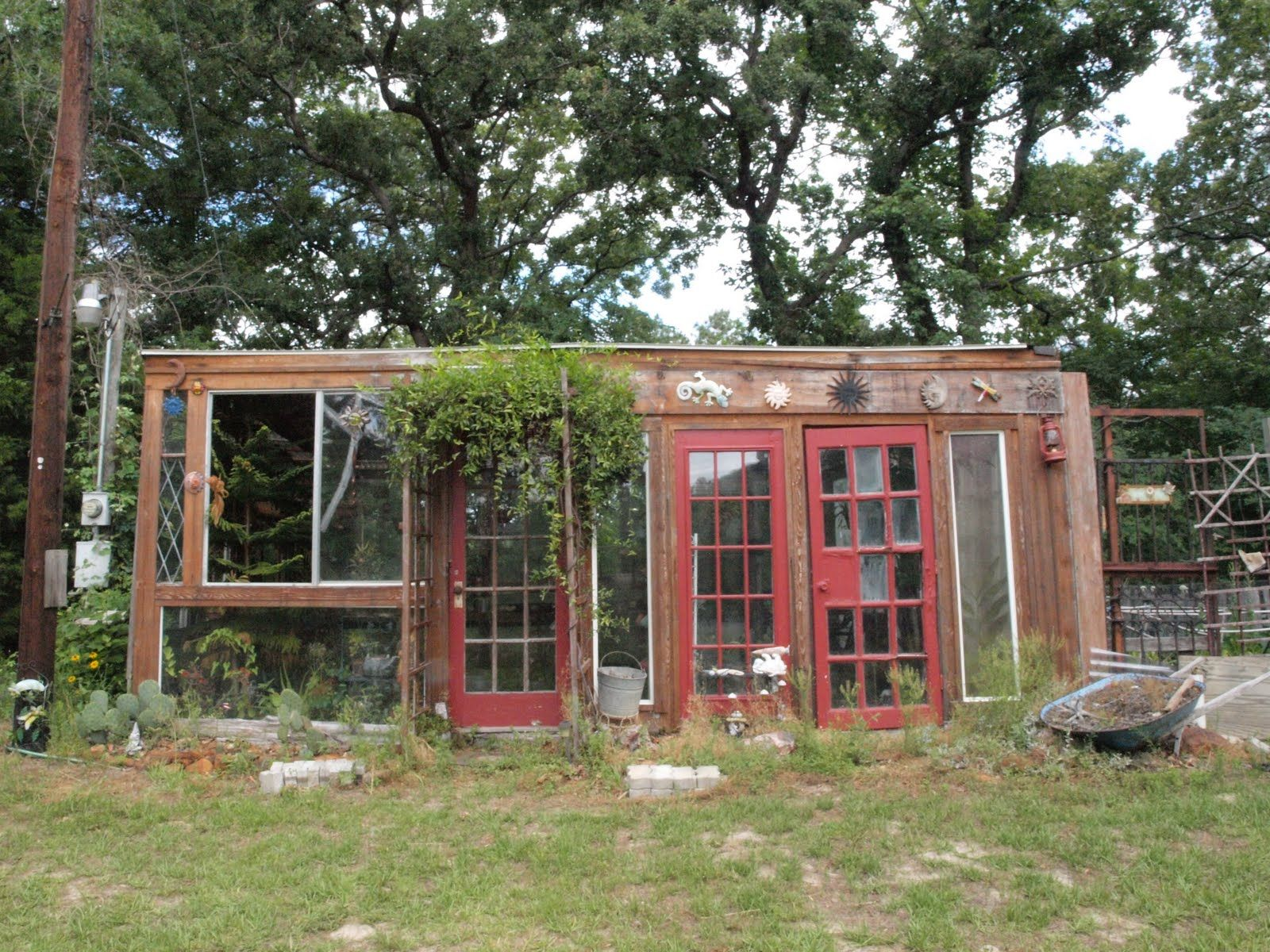 Backyard reusable material chic DIY Greenhouse Ideas